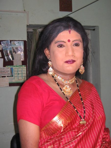 Beautiful Indian Crossdresser Video : Crossdressed in saree