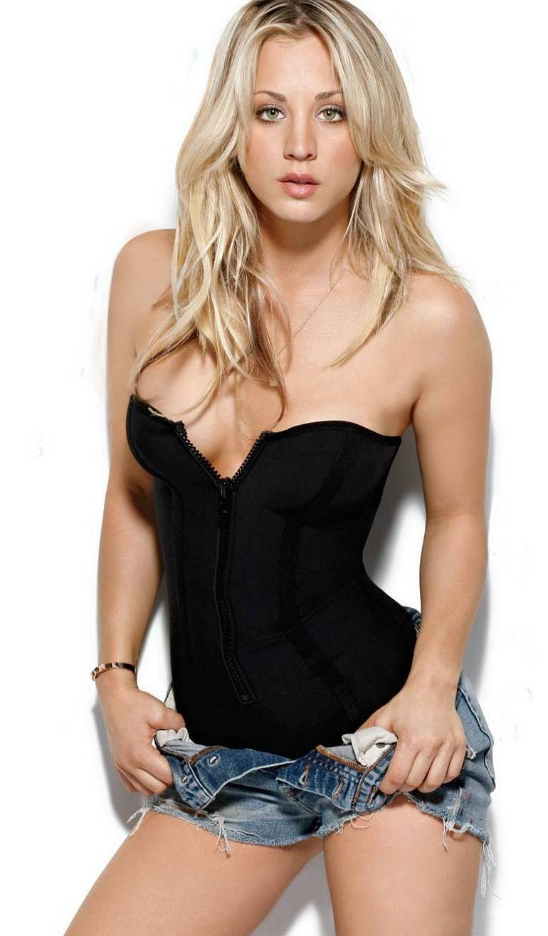Hot Girl of Horror #6: Kaley Cuoco