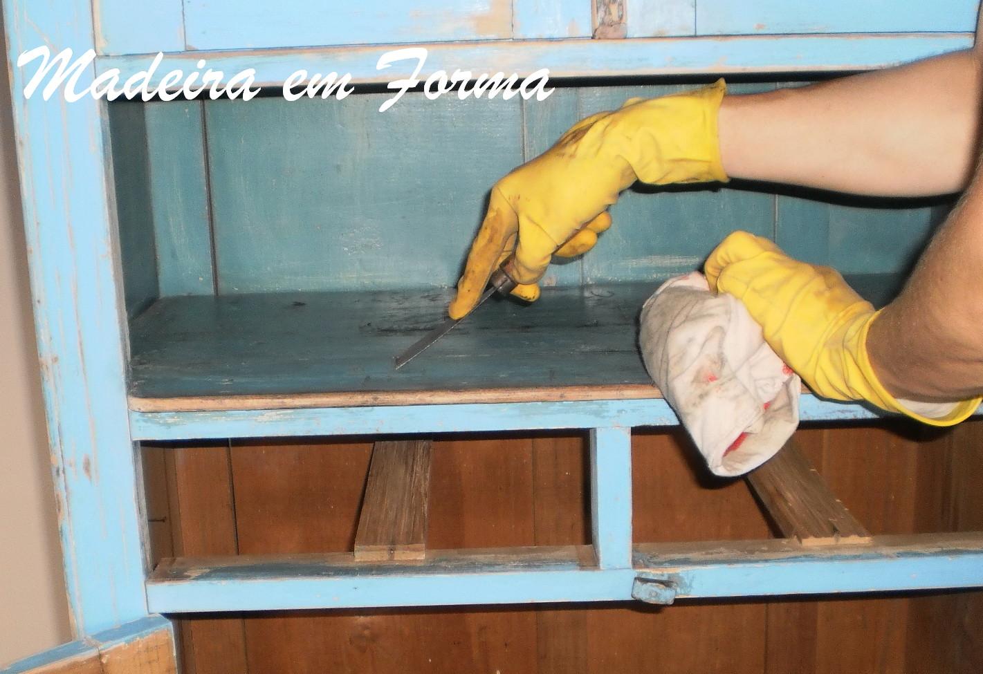 #B98D12 Restauração de Móveis de Época : Guarda comida e descupinização 1421x975 px como restaurar moveis de madeira passo a passo @ bernauer.info Móveis Antigos Novos E Usados Online
