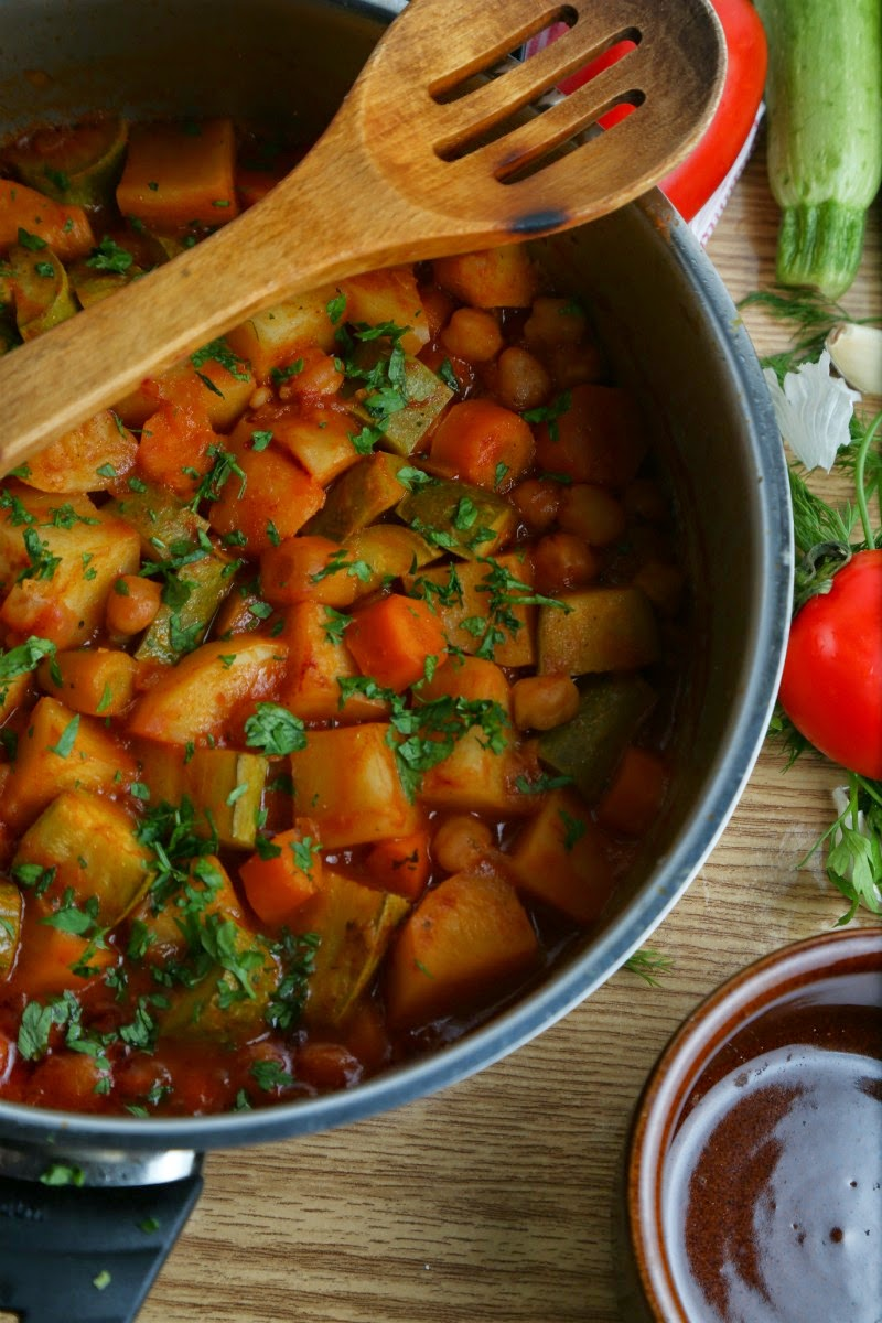 يخني الخضروات على الطريقة المغربية K43A4908