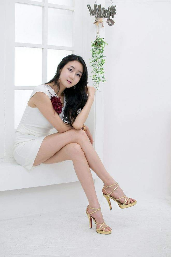 vanleer asian single women Asian women singles and thai girls at asian women online dating service for true love and marriage asian singles are naturally beautiful with their silk black hair, almond shaped eyes.