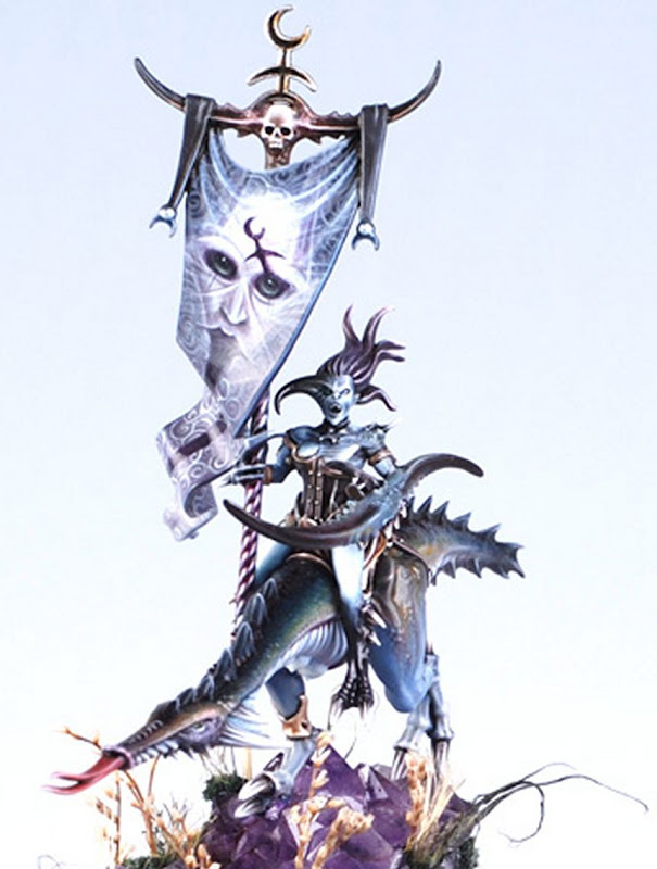 Slaanesh Cavalry Battle Standard Bearer