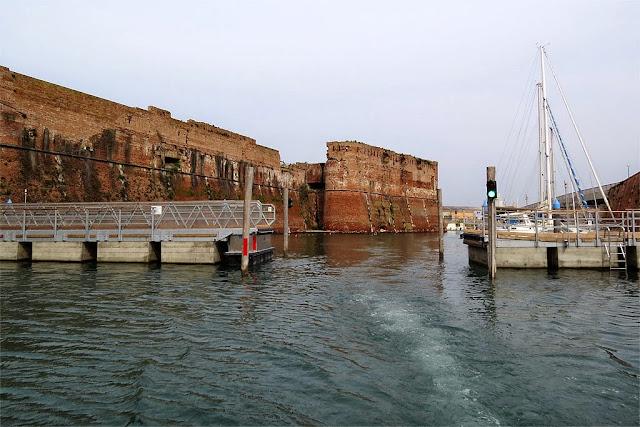 Fortezza Vecchia and the new bridge, Livorno