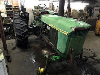 EQ-24871 1965 John Deere 4020 tractor