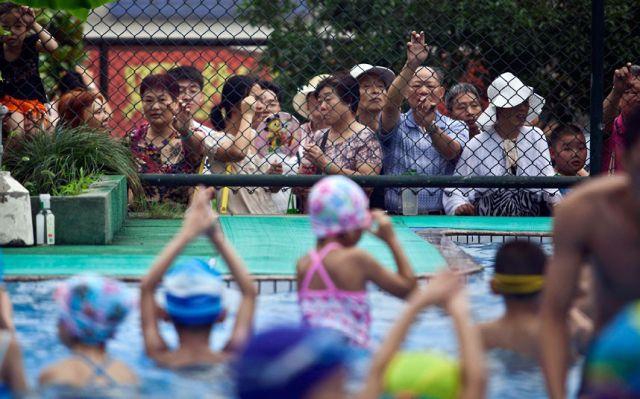الصين وكيفية صناعة الأبطال الألومبيين China-gymnasium-Olympic-children-5
