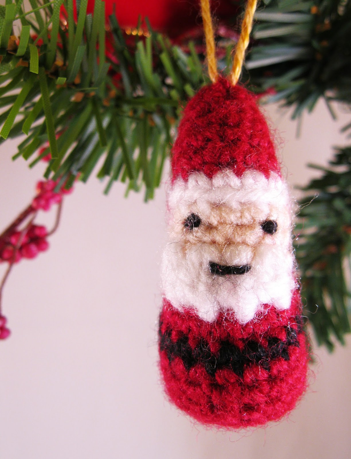 Lucyravenscar crochet creatures mini father christmas free lucyravenscar crochet creatures mini father christmas free crochet pattern bankloansurffo Image collections