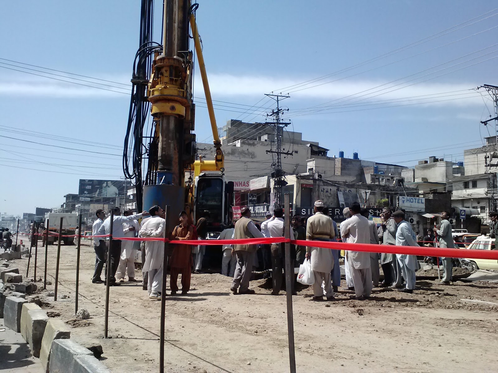 rawalpindi-metro-murree-road-giant-drill