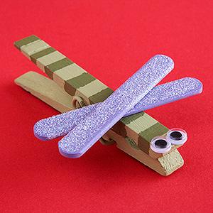 Juguetes con pinzas de la ropa en Recicla Inventa