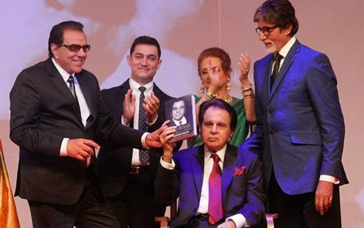 Dharmendra, Aamir Khan, Saira Banu and Amitabh Bachchan with Dilip Kumar during the launch of his autobiography