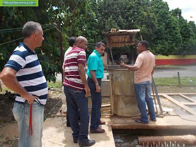 Prefeito e secretários visitando estação de tratamento de Água da CAEMA em Pirapemas