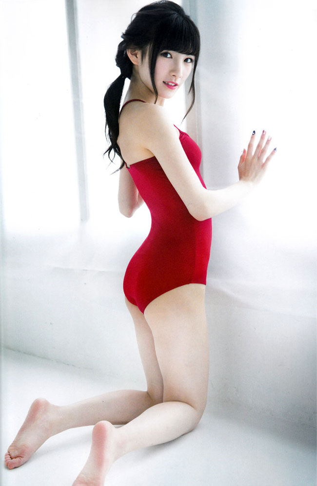 身体のラインが綺麗な岡田奈々