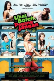 """Nikita Mirzani dalam film""""Lihat Boleh, Pegang Jangan"""" (2010)"""