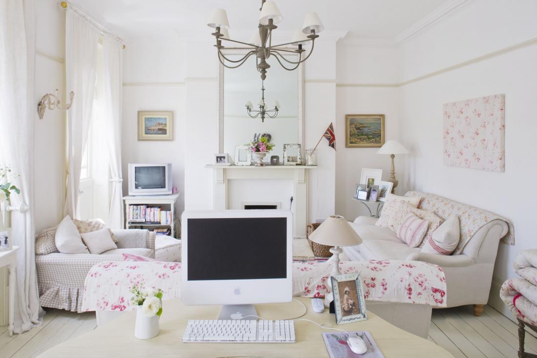 Shabby chic în alb și accente de roz Jurnal de design interior