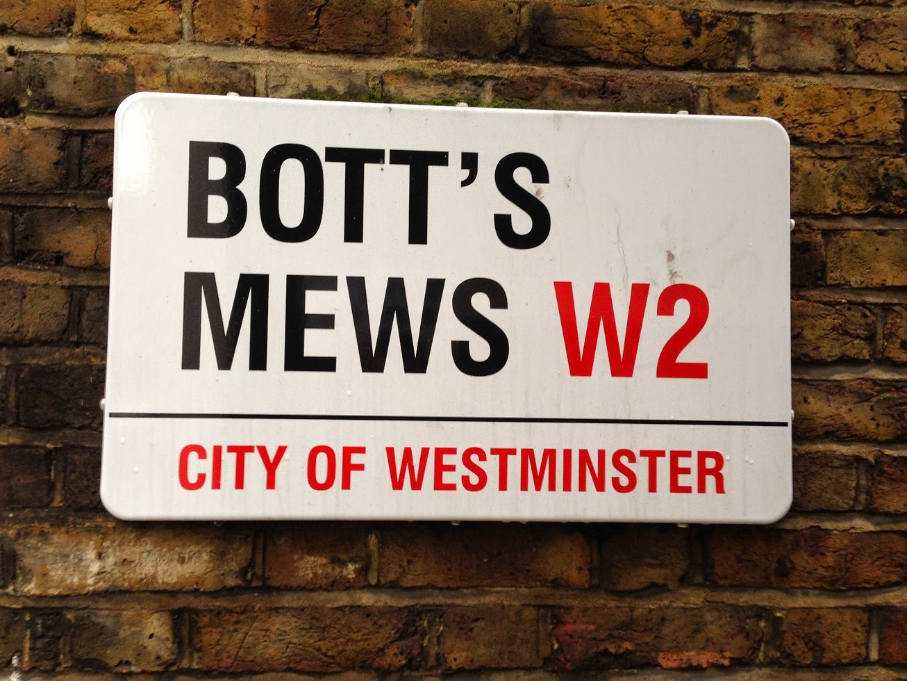 Bott's Mews, London W2