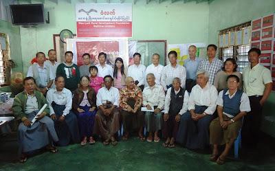 ေသြးနဲ ့ေရးသည့္ေျမမို ့မ်က္ရည္နဲ ့ေတြးသည့္ ေ၀ဒနာ (Khaing Aung Kyaw (New York)