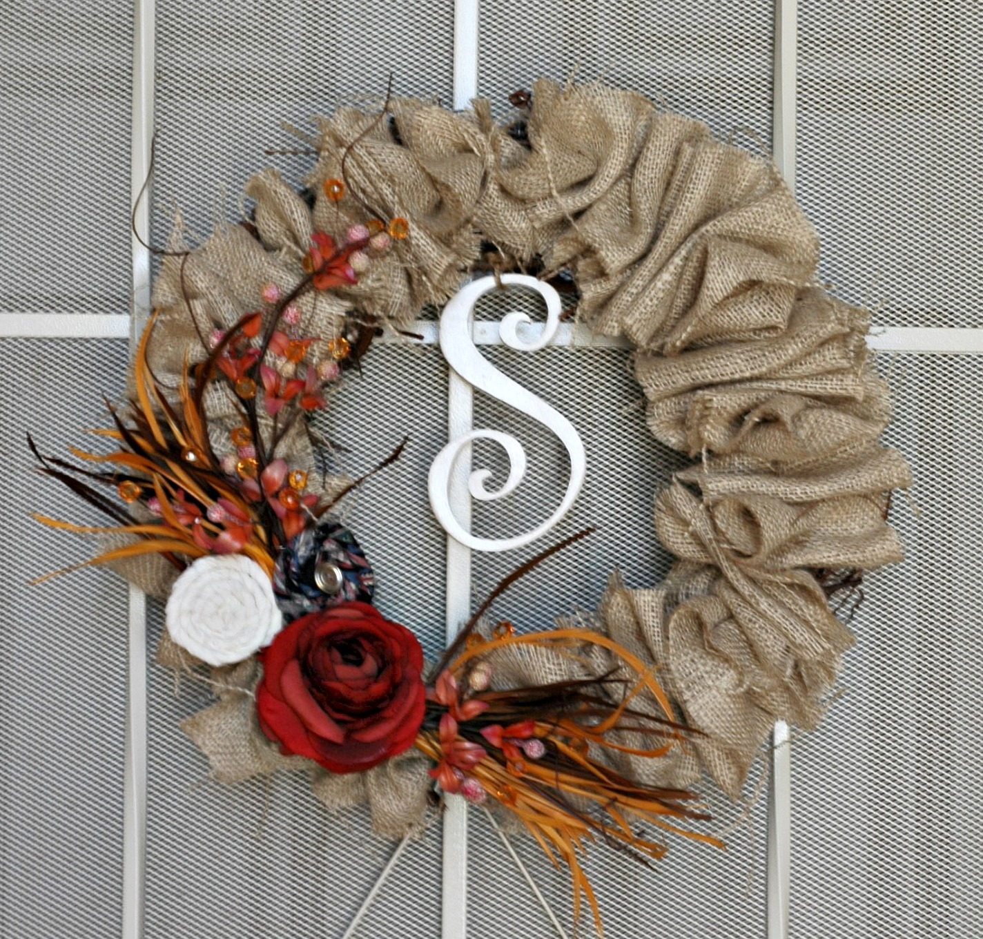 sweet passions on a thrifty dime fall wreath with burlap. Black Bedroom Furniture Sets. Home Design Ideas