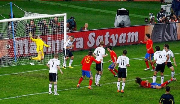 Gol de Carles Puyol, semifinal copa do mundo de 2010