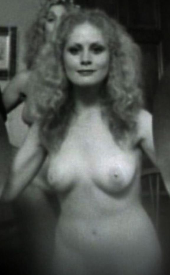 Beverly deangelo nude pic