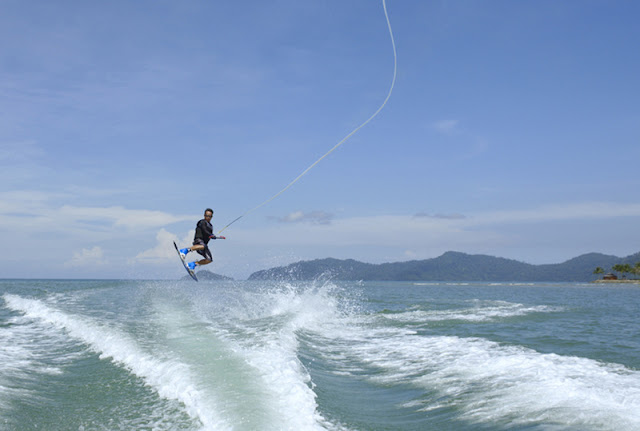 Water Sports at Shangri-La's Tanjung Aru Resort and Spa, Kota Kinabalu, Sabah, Borneo,