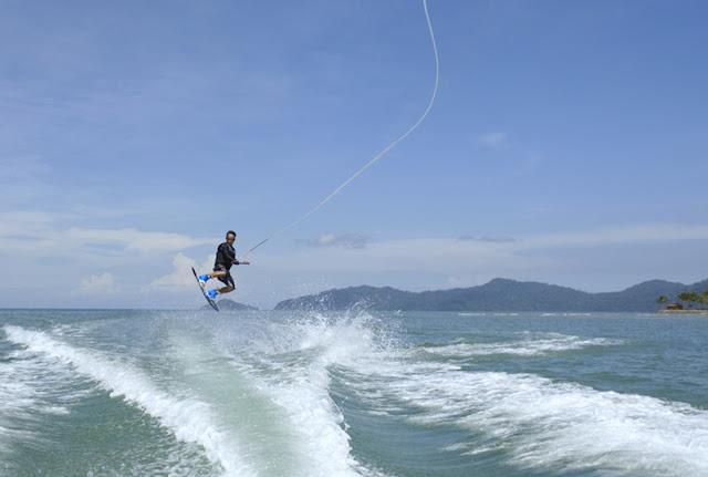 Water Sports at Shangri-La's Tanjung Aru Resort and Spa, Kota Kinabalu, Sabah, Borneo,