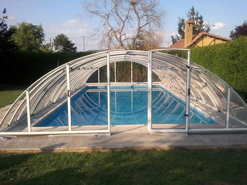 Cubiertas para piscinas baratas cerramientos moviles en for Piscinas de acero baratas