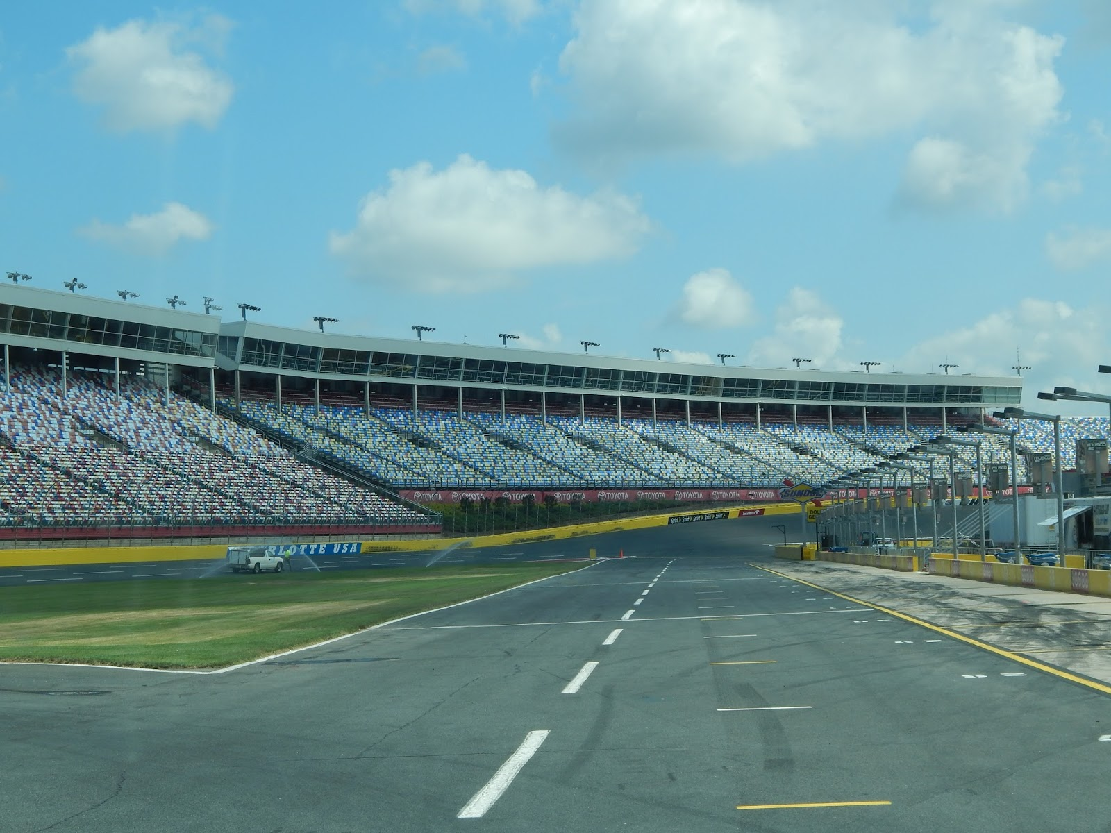 Charlotte motor speedway a view from the track for Charlotte motor speedway museum