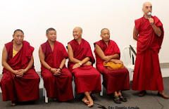 Monges de Shar Ganden  Monastery e da Fundação