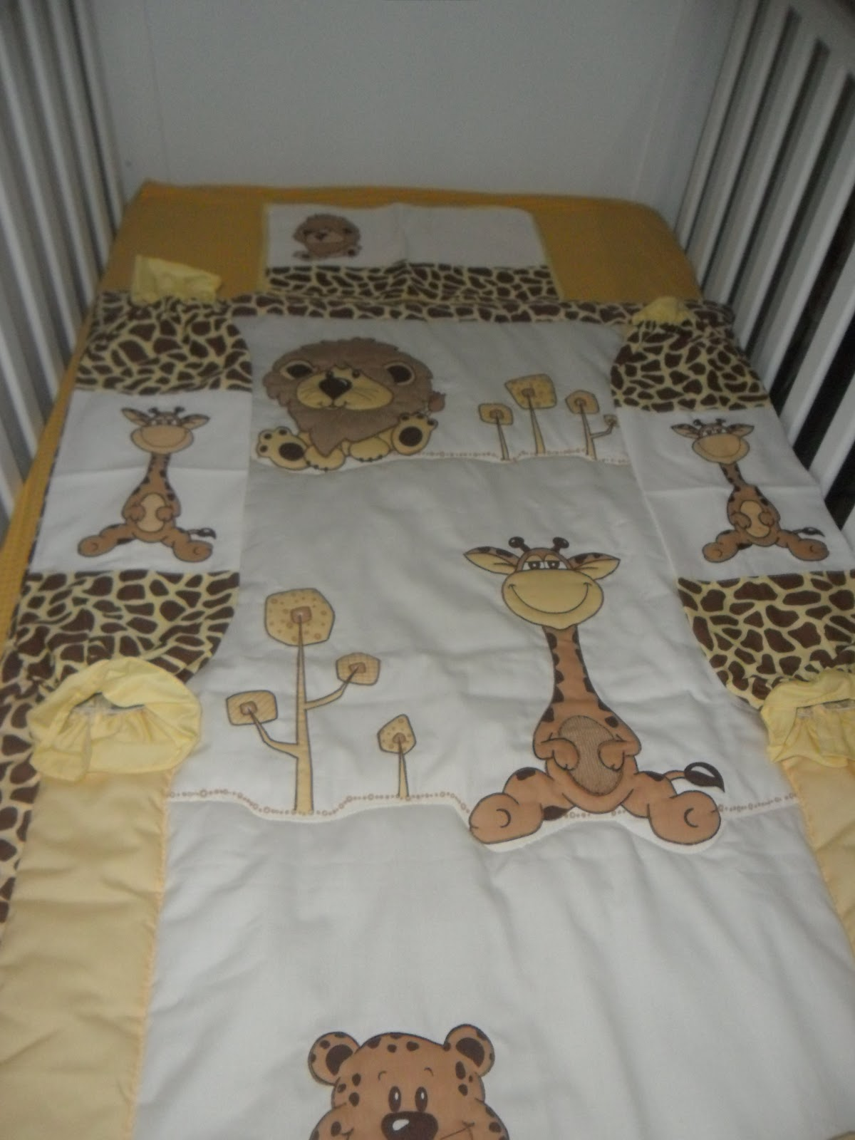Crib for sale in olongapo - Crib Mattress And Safari Bedding