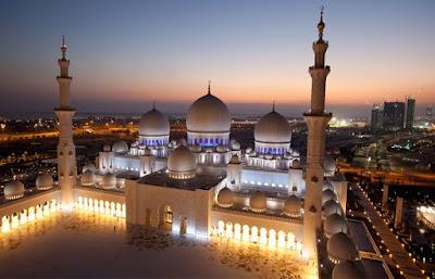 Revolusi Ilmiah - Keindahan Masjid Sheikh Zayed Bin Sultan Al-Nahyan di Abu Dhabi