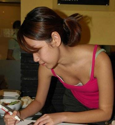 Coretan Iseng: Ngintip belahan Bunga Citra Lestari yuk