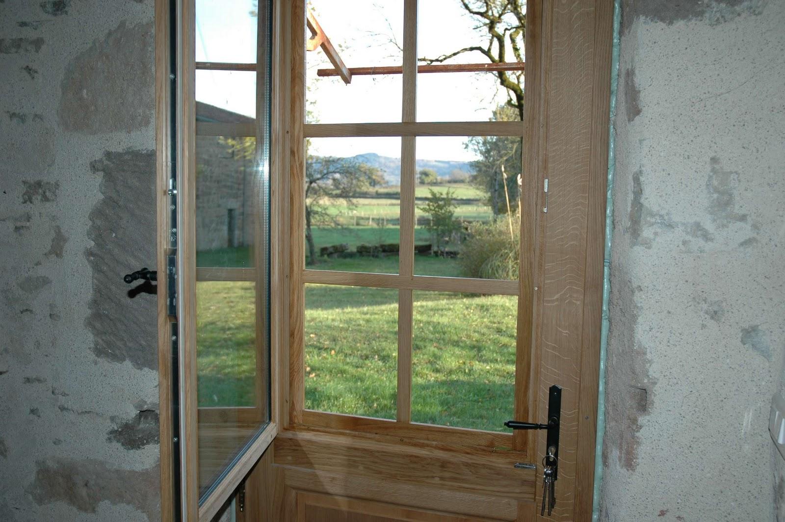 La maison d 39 apr s carennac for Vitre au dessus d une porte