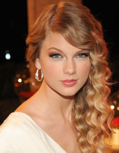 hairstyles for long hair for prom 2011. prom hairstyles long hair half