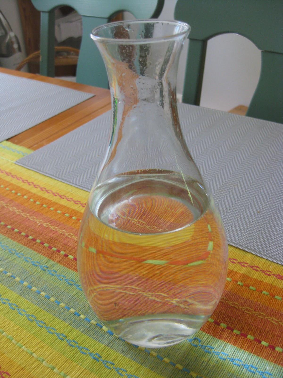 Etikka ja sooda kemiallinen reaktio