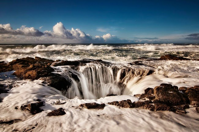 Natural Salt Water Fountain off the Coast of Oregon