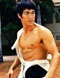 Bruce lee (lelaki comel ke gagah perkasa)