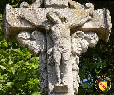 MENIL-LA-HORGNE (55) - Croix-calvaire
