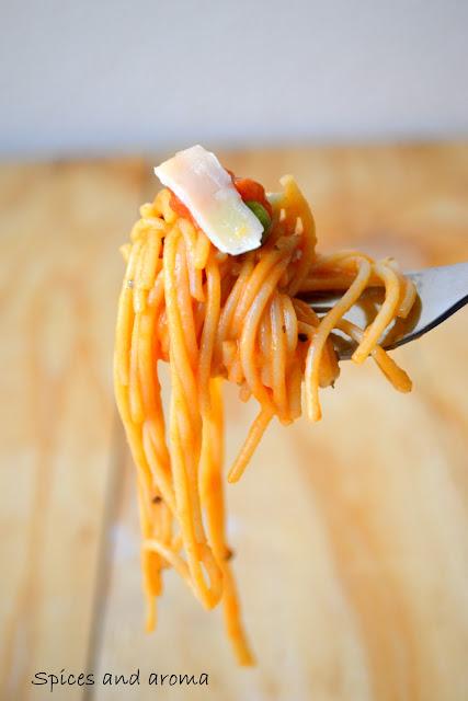 semi homemade : spaghetti in creamy tomato sauce