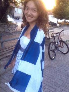 Υπάρχουν και αυτά τα Ελληνόπουλα ...Σε μια πληγωμένη αλλά υπερήφανη Ελλάδα !!
