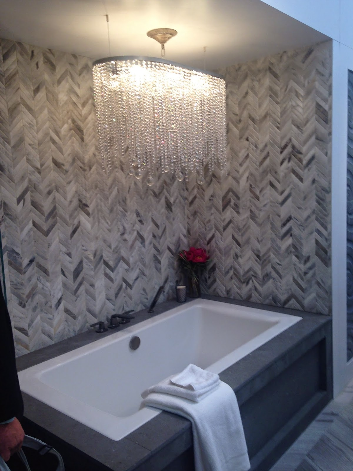 TheBuilderFix: The Builders show never disappoints with tubs! This ...