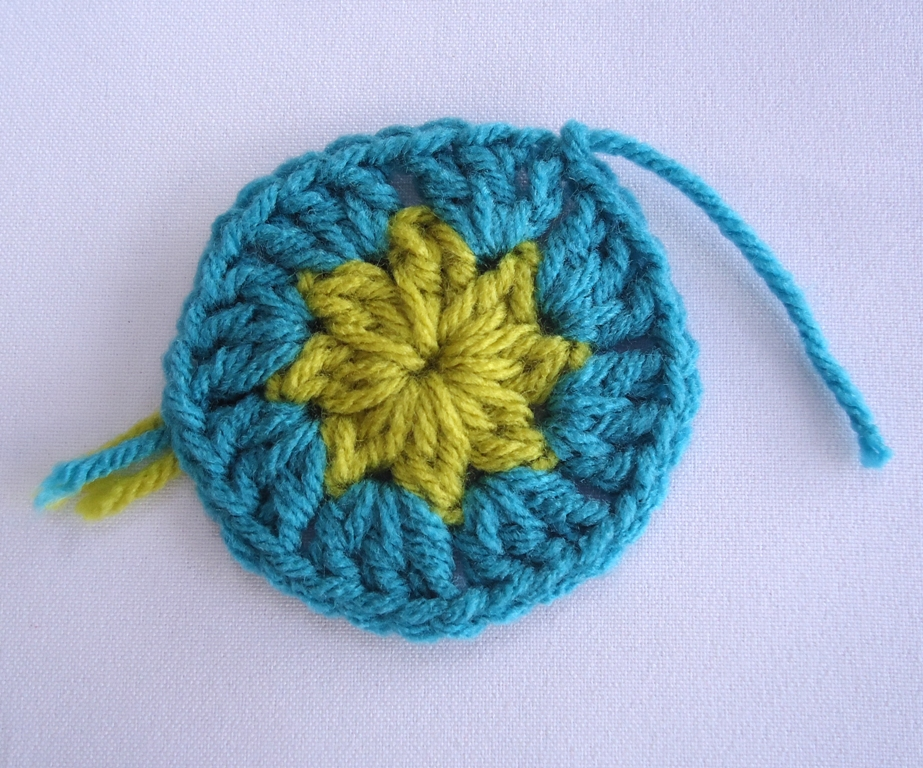 Knitting Joining Yarn Double Knot : Stitch of love tie a secure knot to join new yarn