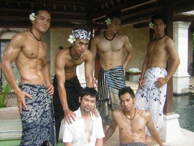 balinese-naked-male-model