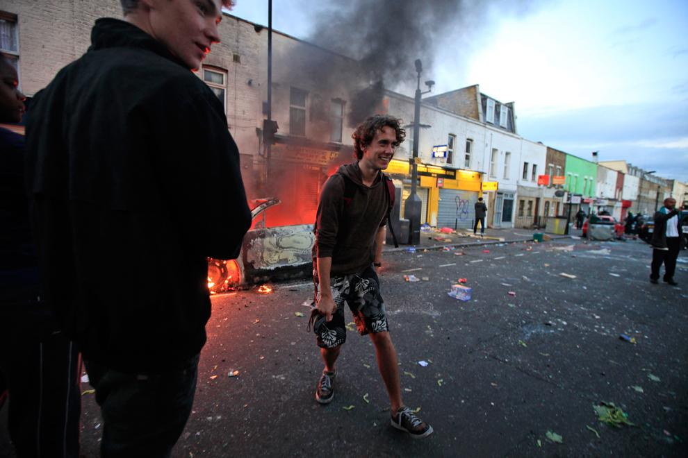 what caused the uk summer riots August 2011: a riot of our own issue: 132 posted on 11th october 2011 by isj jonny jones on 7 august 2011 the observer ran a column by nick cohen with the.