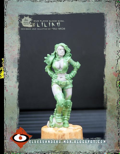 Miniatura de Blood Bowl esculpida por ªRU-MOR para Meiko miniatures. Lilian, blitzer amazona, scala warhammer fantasy