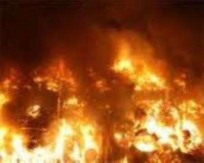 حريقا هائلا فى احدى اعمده كهرباء الضغط العالى بكفر الدوار