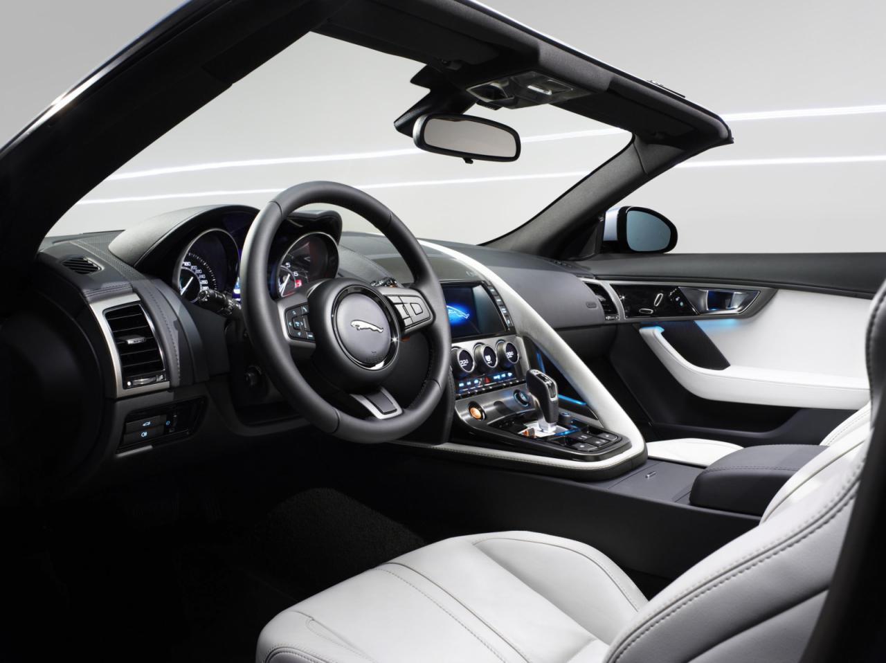 Jaguar+F-Type+3.jpg