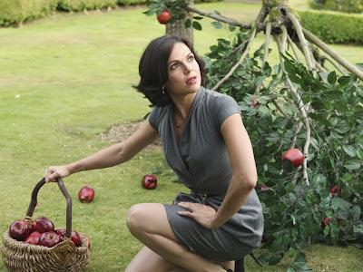 Starostka Regina Mills s jablky