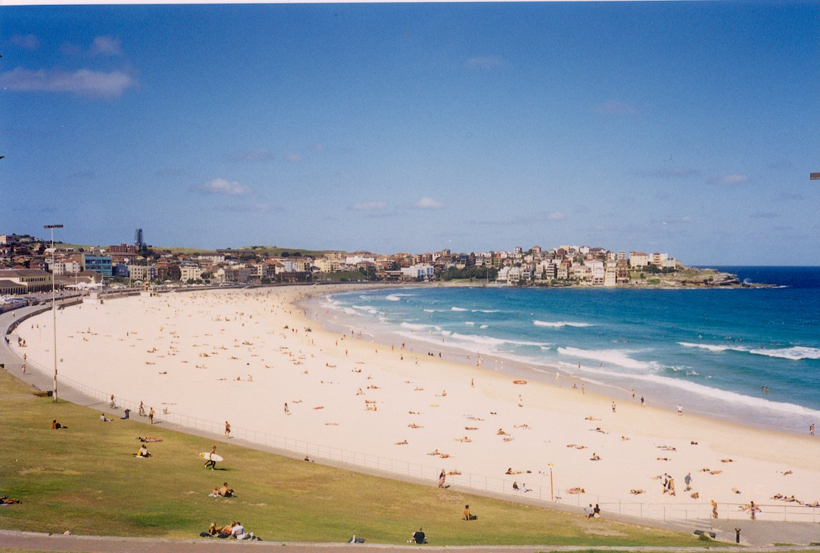 Cafes Along Bondi Beach