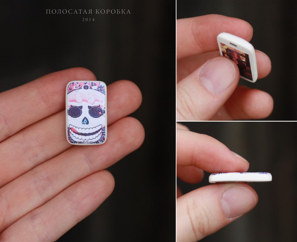 Миниатюрный телефон для куклы