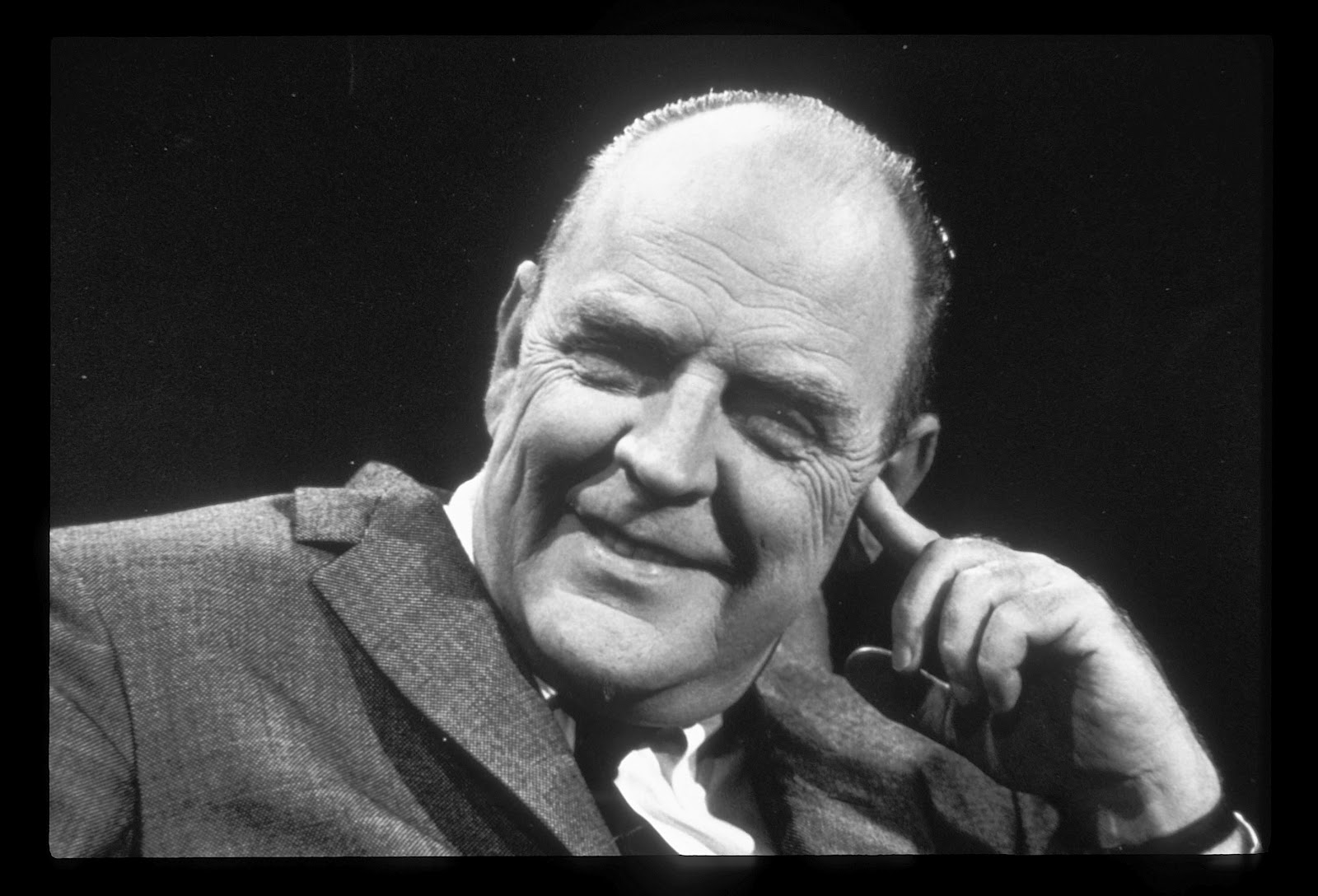 a biography of william inge a playwright Playwright: william inge was born in may of 1913 as the youngest of five children  inge's play picnic won multiple awards: a pulitzer prize, the drama critic.