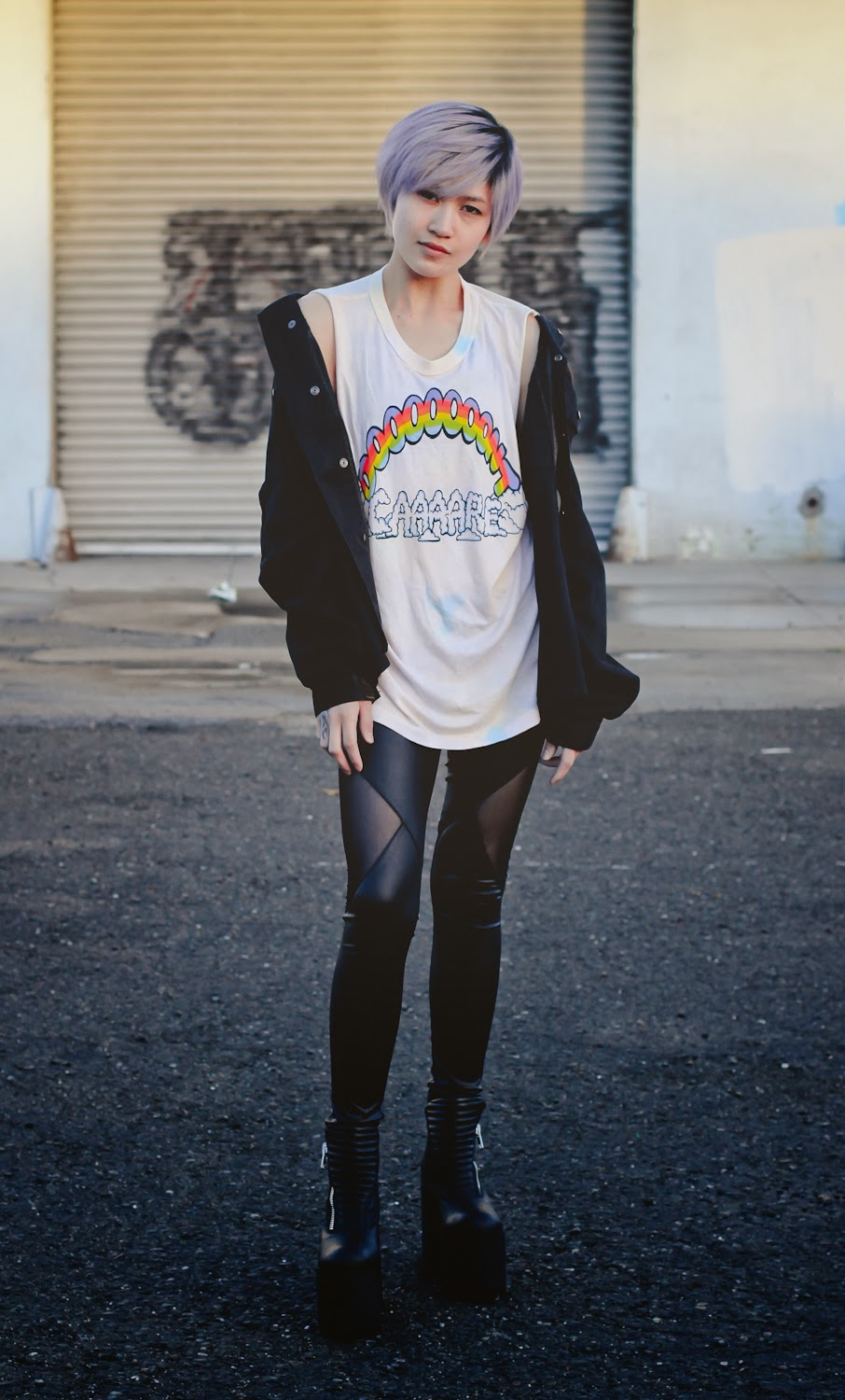 Unif Don't Care Muscle Tee, Brandy Melville Alice Military Jacket, Forever 21 Mesh Leggings, Unif Neo Boots